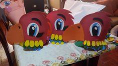 gorros de guacamayos rojos en foami o goma eva para carnaval