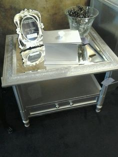 Remove table top, replace with glass mirror. #mirror #table #coffeetable #endtable
