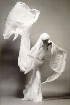 Movement - White - Fashion - Portrait Photography