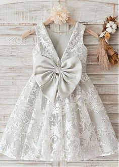 Best 12 Lilybridalshop Amazing Lace & Satin Scoop Neckline Knee-length A-line Flower Girl Dresses – SkillOfKing.Amazing Lace & Satin Scoop Neckline Knee-length A-line Flower Girl Dresses, Shop plus-sized prom dresses for curvy figures and plus-size Kids Frocks, Frocks For Girls, Dresses Kids Girl, Kids Outfits, Flower Girl Dresses, Frock Design, Baby Dress Design, Baby Frocks Designs, Girl Dress Patterns
