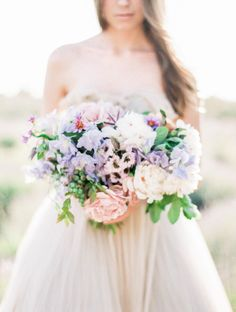 Ethereal Bridal Style in a Tulle Gown | Wedding Sparrow | Sally Pinera Photography