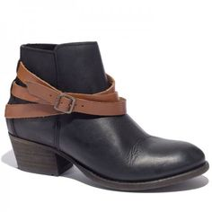 H. by Hudson Horrigan Boots Hours allotted: 4 to 5 Good for: Walking. The round toe box leaves plenty of room for comfort, while the soft fabric will be bunion- and hammertoe-friendly. Bad for:Nothing—these are 100% podiatrist approved!