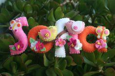 My Felt: Nome em feltro decorado com passarinhos, flores e borboletas!