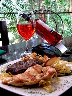 Hoy almuerza con nosotros #PlatoRecomendado - Mixto Tierra, Mar y Aire : compuesto de lomito de res, langostinos y pollo; todo asado a la brasa. http://www.angusbrangus.com.co/festival-del-mes/   @restorandoco @Resta_medelln #restaurantesmedellín #medellín #AngusBrangus #carnes @PasaporteVip