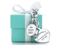 who DOESN'T love Tiffany's boxes!