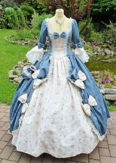 Rokoko Kostüm - Rokoko Kostüm Source by - Old Fashion Dresses, Old Dresses, Pretty Dresses, Vintage Gowns, Vintage Outfits, Victorian Ball Gowns, Southern Belle Dress, Mode Lolita, 18th Century Dress