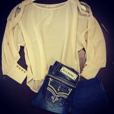 Rock revival, my favorite jeans. Love Jeans, T Shirt And Jeans, Fall Winter Outfits, Autumn Winter Fashion, Kinds Of Clothes, Clothes For Women, Teen Fashion, Fashion Outfits, Revival Clothing
