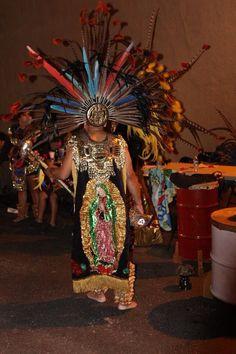 Representando nuestra familia y grupo, La Danza Azteca Guadalupana tampa fl Catrinas Cocina y Galería desde Naples. Día de los muertos event.