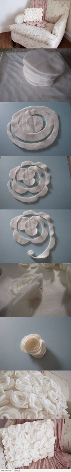 DIY Rose Fleece Pillow diy craft crafts home decor craft decorations how to tutorial home crafts Felt Flowers, Diy Flowers, Fabric Flowers, Felt Roses, Felt Crafts, Diy And Crafts, Arts And Crafts, Sewing Crafts, Sewing Projects