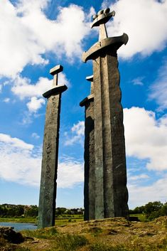 Viking Sword Monument - Sverd i fjell (Swords in Rock), Stavanger, Norway