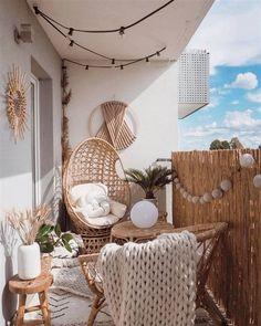 Apartment Balcony Decorating, Apartment Balconies, Apartments Decorating, Decor Room, Diy Home Decor, Bedroom Decor, Master Bedroom, Wool Wall Hanging, Small Balcony Decor