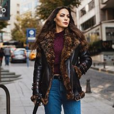 "74 Beğenme, 4 Yorum - Instagram'da MYDIAMOND (@mydiamond.shop): ""Mydiamond has amazing shearling coat:This coat will keep you warm and cool during winter season. Be…"""