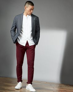 Men's Grey Blazer, White Long Sleeve Shirt, Burgundy Chinos, White Leather Low Top Sneakers | Men's Fashion