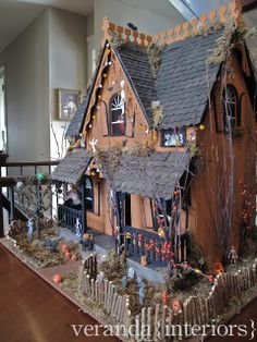 veranda interiors: How To: Haunted House.  I want to make one of these so bad!!!