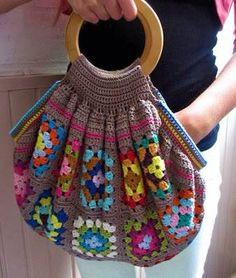 Transcendent Crochet a Solid Granny Square Ideas. Inconceivable Crochet a Solid Granny Square Ideas. Crotchet Bags, Crochet Tote, Crochet Handbags, Crochet Purses, Knitted Bags, Sac Granny Square, Granny Square Crochet Pattern, Crochet Squares, Crochet Granny