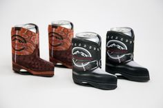 When it comes to hanging with your friends, you want to make sure you look good doing it. Having the right koozie for your drink makes all the difference. These Mountain Man Cowboy boot koozies are everything and more!