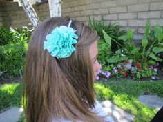 >Scrunch Fabric Flower Pom PomHeadband Tutorial{NOsew step-by-step instructions}{{featured on Headband Week}}Ready to learn how to make your very own Flower Pom headband?!Here's what…