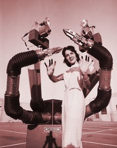 """1960 """"Mobot Mark II"""" mobile robot concept from Hughes Aircraft"""
