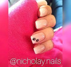 Semi-permanent varnish, false nails, patches: which manicure to choose? - My Nails Pretty Nail Designs, Toe Nail Designs, Simple Nail Designs, Dog Nail Art, Dog Nails, Matte Nails, Acrylic Nails, Black Sparkle Nails, Paw Print Nails