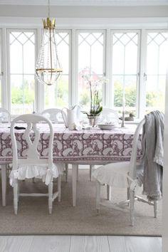 Vackra kuddar, gardiner, mattor & sängkläder | Matilde & Co