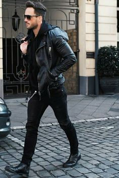 Ideas How To Wear Leather Jacket Men Street Styles Leather Jacket Outfits, Men's Leather Jacket, Leather Men, Jacket Men, Custom Leather, Bomber Jacket, Leather Biker Jackets, Biker Jacket Outfit, Leather Hoodie