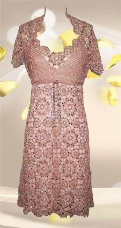 stunning....i wish i could crochet something like this.