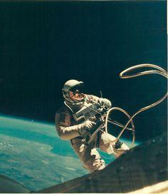 NASA Astronaut Ed White on EVA during the Gemini IV mission 1965- New 8x10 Photo