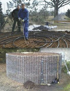 Instead of burning wood for heat, some Europeans now build a compost pile over plastic water lines that extract heat from the decomposing plant material. Temperatures can get as high as 149 degrees. With a circulating pump as the only moving part, the com Renewable Energy, Solar Energy, Solar Power, Biomass Energy, Off The Grid, Alternative Energie, Earthship, Heating Systems, Sustainable Living