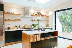 West Dulwich kitchen design by West & Reid. Shaker Kitchen, New Kitchen, Kitchen Dining, Kitchen Decor, Küchen Design, Interior Design, Plywood Kitchen, Altea, Kitchen Gallery