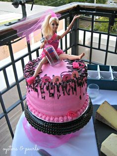 I adore this Barbie #henparty #bacheloretteparty cake. Poor Barbie even lost her shoe! #henpartyideas