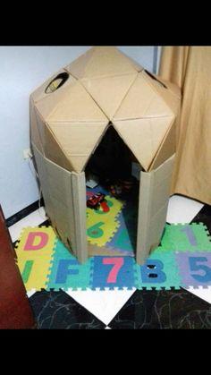 Iglu de carton / Así quedó mi iglu de carton.  Después sigue pintarlo