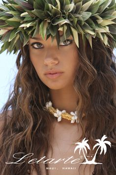 Years ago in Tahiti I saw some of the most beautiful women :) Hawaiian People, Hawaiian Woman, Hawaiian Girls, Hawaiian Dancers, Hawaiian Art, Hawaiian Tattoo, Hawaiian Leis, Kim Taylor Reece, Polynesian Dance