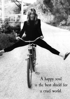 """""""Happy Soul""""    (pc: @thequotethief)"""