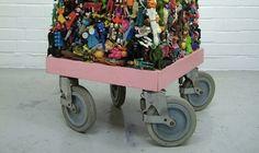«Обязательная программа»: детский фестиваль науки от «Политеха», дворовая вечеринка от уличных художников и гаражная распродажа с детьми в роли продавцов