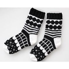 marimekko villasukat / marimekko socks (handmade in finland) Diy Crochet And Knitting, Crochet Socks, Knitting Charts, Knitting Socks, Hand Knitting, Knitting Patterns, Marimekko, Knit Art, Wool Socks