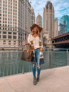 Things to Do In Chicago: The Ultimate Travel Guide - Real Time - Diet, Exercise, Fitness, Finance You for Healthy articles ideas Chicago Hotels, Chicago Travel, Chicago Chicago, Chicago Style, Fashion Group, Girl Fashion, Fashion Outfits, Travel Fashion, Fall Outfits