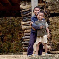Children in #NongKhiaw, #Laos - www.gdecooman.fr portfolio, cours et stages photo à Lille, visites guidées de Lille
