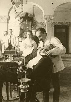 Dentist in Berlin,Germany,1907