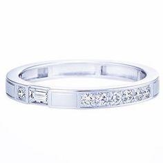 HARRY WINSTON 《#結婚指輪探し 》 今日決めるつもりで、新宿伊勢丹で、個室でいろんなブランドの指輪を見せて頂けるサービスを受けました。  ほぼ全てのブランドをみて、 ・私のサイズは基本作りがないらしい、、 ・ぶかぶかでよくわからない ・カルティエかハリーだわ ・カルティエはイチからオーダーすると今からだと5カ月で間に合わない というダイジェストになり。  彼⇨タサキ 私⇨ハリーウィンストン というまさかの別ブランドに  お互い愛着をもってつけたいね、ということになりまとまったのでよかった #結婚指輪 #結婚指輪探し  #マリッジリング #マリッジリング探し #ハリーウィンストン #TASAKI #伊勢丹