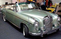 La Mercedes-Benz S-Klasse E 220 Convertible W 128, ce véhicule de collection fut fabriqué de 1958 à 1960.