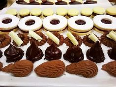 Masas secas caseras - Recetas – Cocineros Argentinos Pan Dulce, Brownie Cookies, Yummy Cookies, Cake Cookies, Decadent Cakes, How To Make Cookies, Cookies And Cream, Four, Love Is Sweet
