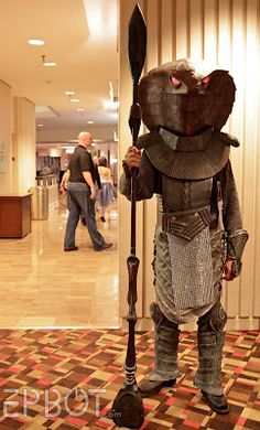 What?! A Jaffa cosplay?! I have now seen everything (from Jen Yates Dragon*Con photos again).