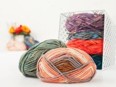 Schachenmary's Bravo Big Color collection features trendy, eye-catching colorways in the same wonderful super bulky weight as the Original Bravo Big. This thick yarn offers durable warmth with easy...