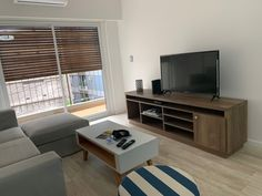 Mueble de TV Flat Screen, Tv Unit Furniture, Interiors, Blood Plasma, Flatscreen, Dish Display