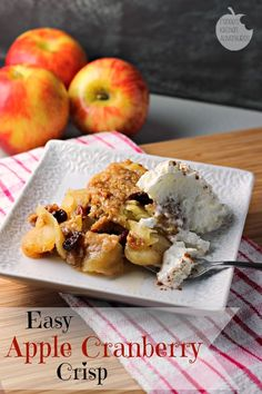 Easy Apple Cranberry Crisp: A classic dessert perfect for Fall! Pairs with Late Harvest Riesling Apple Cranberry Crisp, Cranberry Recipes, Apple Recipes, Fall Recipes, Great Recipes, Favorite Recipes, Just Desserts, Dessert Recipes, Fall Desserts