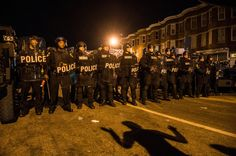 Crowds Scatter as Baltimore Curfew Takes Hold - NYTimes.com