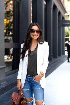 Blue Jeans on Prince Street: Rag & Bone jeans // T by Alexander Wang shirt James Jeans blazer // Stuart Weitzman heels c/o Proenza Schouler bag Blazer Jeans, Blazer Outfits, Fall Outfits, Fashion Outfits, Womens Fashion, Fashion Trends, Work Outfits, Trendy Fashion, Fashion Beauty