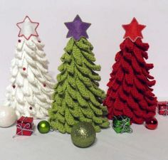 Crochet Christmas Trees. For more crochet ideas, go to - http://sussle.org/t/Crochet