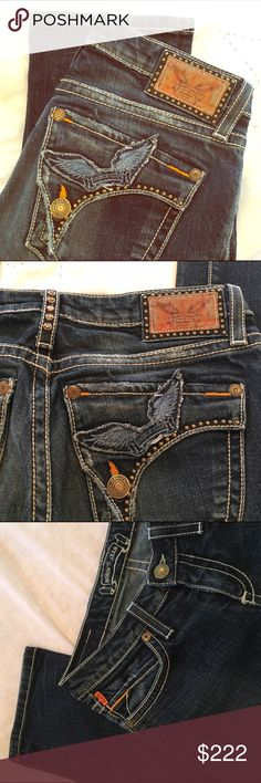 Robin's Jeans! Real American Jeans designed by Robin Chretien in the City of Angels. Made in USA🇺🇸 of imported fabric. Chretien designs high end jeans inspired by his passion for motorcycles, vintage cars and old-school cinema. 🏍🏎🎬 Gently loved. Signature wing flap pockets, white stitching and stud embellishments. EUC. Size 27. Inseam 33. Straight leg style. Robin's Jeans Jeans Straight Leg