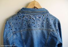 Dare to DIY: DIY: Cazadora vaquera inspirada en Miu Miu Star Fashion, Diy Fashion, Lace Jeans, Embroidered Clothes, Clothes Crafts, Miu Miu, Denim, Diys, Texans